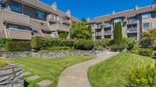 1050 Bowron Court, unit 405, North Vancouver