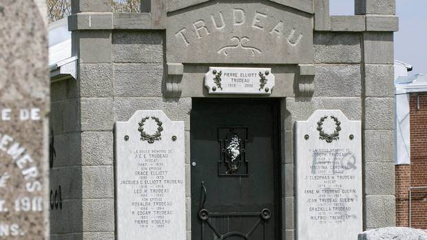 Trudeau 39 s grave gives few clues of his importance the for Articles de cuisine trudeau