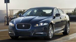 <p>2014 Jaguar XF AWD</p>