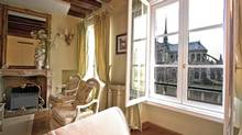 Finding an apartment in Paris is easier than you think. This one can be found at parisluxeapt.com.