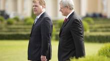 Canadian Prime Minister Stephen Harper walks through the gardens of the Constantine Palace with Foreign Affairs Minister John Baird (Thursday September 5, 2013 in St. Petersburg, Russia prior to the G20 Summit. (Adrian Wyld/THE CANADIAN PRESS)
