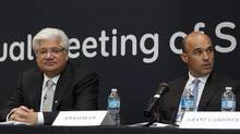 RIM co-CEOs Mike Lazaridis, left, and Jim Balsillie are likley to resist activist shareholder pressure to change management. THE CANADIAN PRESS/Chris Young (Chris Young/THE CANADIAN PRESS)