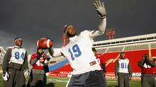 Montreal Alouettes' S.J. Green (19) throws the football with his teammates during the East CFL Grey Cup football practice in Calgary, Alberta November 25, 2009. Calgary will host the Canadian Football League's 97th Grey Cup between the Saskatchewan Roughriders and the Montreal Alouettes at McMahon Stadium this Sunday. REUTERS/Todd Korol (TODD KOROL)