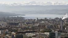 A general view shows the city of Zurich, Lake Zurich and the eastern Swiss Alps. (ARND WIEGMANN/ARND WIEGMANN/REUTERS)