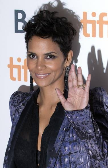 "Hi. I'm Halle Berry on the red carpet for ""Cloud Atlas"" in Toronto on Saturday. You remember me, right? Used to be a big star? Made movies? Oscar winner? (CP)"