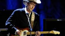 Rock musician Bob Dylan performs at the Wiltern Theatre in Los Angeles, in this May 5, 2004 file photo. (Robert Galbraith/REUTERS)