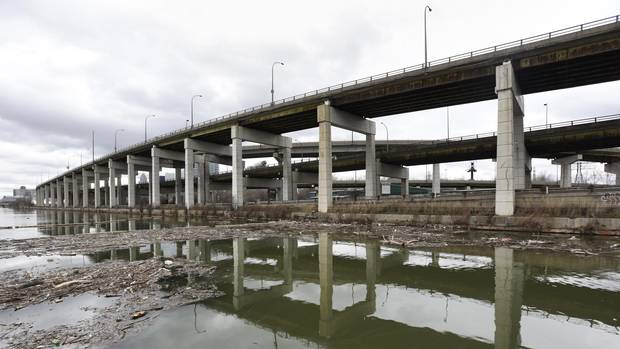 Gardiner Expressway : City hall defers decision on future of gardiner expressway the
