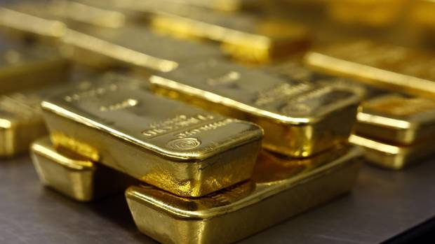 Demand for gold skyrockets, but skepticism remains - The Globe and Mail