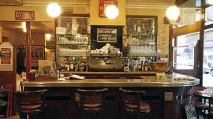 Le Bistrot Paul Bert recieves rave reviews from the culinary press.