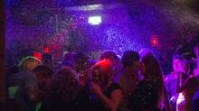 A crowded dance floor at a club in Northampton, England, earlier this month. (ANDREW TESTA/NYT)