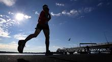 The single most important step you can take to enhance your performance in the heat is to acclimatize – that is, to exercise repeatedly in hot conditions until your body adapts. (Jason Oxenham/Getty Images)