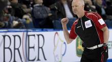 Ontario skip Glenn Howard improved to 4-0 at the Masters Grand Slam of Curling in Abbotsford, B.C. on Friday. (file photo) (JONATHAN HAYWARD/THE CANADIAN PRESS)