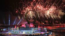 Fireworks explode during the opening ceremony for the 2012 World Expo in Yeosu, South Korea, May 11, 2012. (YONHAP/REUTERS/YONHAP/REUTERS)