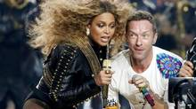 Beyonce and Chris Martin of Coldplay perform during the half-time show at the NFL's Super Bowl 50 between the Carolina Panthers and the Denver Broncos in Santa Clara, California February 7, 2016. REUTERS/Lucy Nicholson (TPX IMAGES OF THE DAY) (LUCY NICHOLSON/REUTERS)