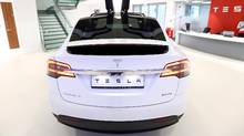 A Tesla Motors Inc. Model X P90D electric sport utility vehicle (SUV) stands on display at a Tesla Motors Inc. showroom in London, U.K., on Tuesday, Jan. 10, 2017. (Chris Ratcliffe/Bloomberg)