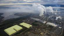 Canada's existing framework for monitoring the oil sands' environmental impact is simply 'inadquate,' a new federal plan says. (Kevin Van Paassen/The Globe and Mail)