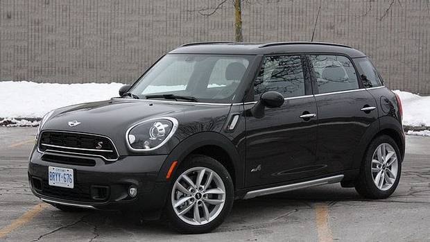 review 2015 mini cooper s countryman is charming but. Black Bedroom Furniture Sets. Home Design Ideas