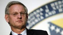 Sweden's Foreign Minister Carl Bildt listens to a question during a news conference after a meeting in Sarajevo April 5, 2012. (DADO RUVIC/REUTERS)
