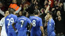 Chelsea's Eden Hazard, far right, is sent off during their English League Cup semi-final second leg soccer match against Swansea at the Liberty Stadium in Swansea January 23, 2013. (REBECCA NADEN/REUTERS)