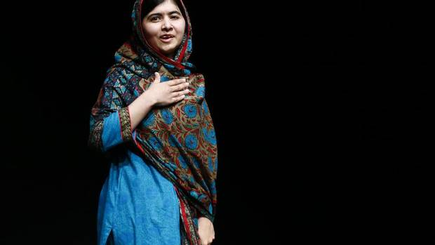 Malala Yousafzai, the youngest person to win the Nobel Peace Prize at 17-year-old, will receive honorary Canadian citizenship, putting her in the company of Nelson Mandela, Aung San Suu Kyi and the 14th Dalai Lama. (Darren Staples/REUTERS)