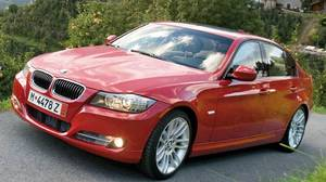 The BMW 335d should go nearly 1,000 km on one tank of diesel fuel and produces about 20 per cent fewer CO2 emissions than a comparable gas engine.