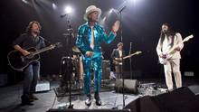 The Tragically Hip performs in Vancouver on July, 24, 2016. (Jonathan Hayward/THE CANADIAN PRESS)