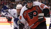 Eric Lindros scored 372 goals and 493 assists in 760 career NHL games. (FRANK GUNN/Canadian Press)