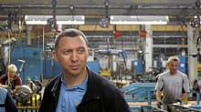 Russian businessman Oleg Deripaska visits the GAZ car factory in Nizhny Novgorod (DENIS SINYAKOV/REUTERS)