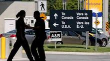 The Canada-U.S. border crossing in Surrey, B.C. (Darryl Dyck/The Canadian Press)