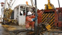 A Repsol exploration rig in the Argentinian province of Neuquen (ENRIQUE MARCARIAN/REUTERS)
