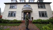 Honour House founder Allan De Genova stands outside the facility in New Westminster, B.C., on Thursday. The Vancouver-based organization is expanding a program offering mental health treatment and refuge for military staff, veterans and first responders struggling with post-traumatic stress syndrome (DARRYL DYCK/THE CANADIAN PRESS)