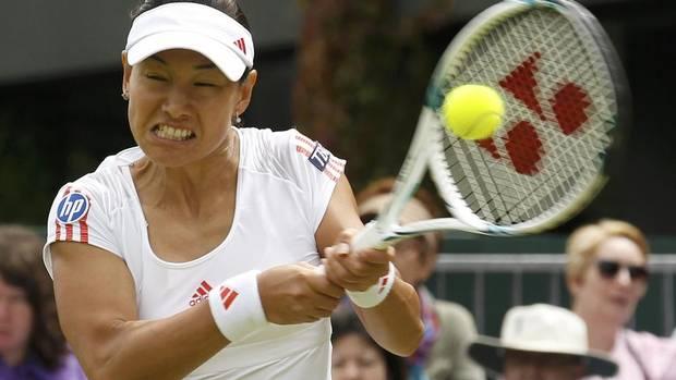 Kimiko Date-Krumm of Japan (SUZANNE PLUNKETT/REUTERS)