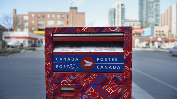 Canada Post issues strike notice