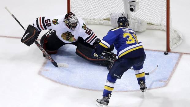 Mojr116_blackhawks_blues_hockey