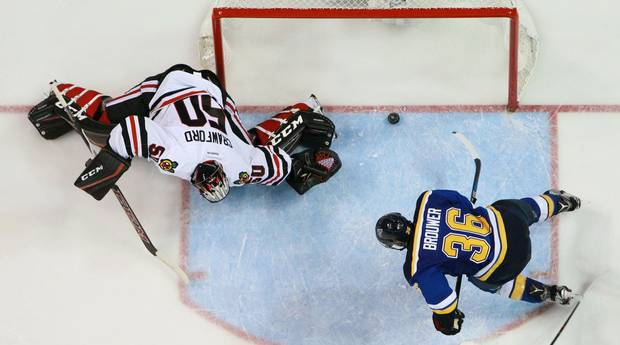 Mostp303-blackhawks+blues+h