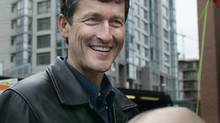 Svend Robinson campaigns in Vancouver on Jan. 22, 2006. (Lyle Stafford/The Globe and Mail)