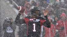Ottawa Redblacks quarterback Henry Burris attempts a pass during first half CFL Eastern Final action against the Edmonton Eskimos, in Ottawa on Sunday, November 20, 2016. (Adrian Wyld/The Canadian Press)