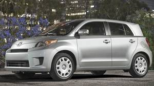 2011 Scion xD .
