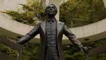 John A Macdonald statue on campus of Wilfred Laurier University in Waterloo, Ont. (John Ternan)