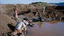 Artisan miners use mercury to extract gold deposits from rocks crushed by hand. (David Chancellor/INSTITUTE/David Chancellor/INSTITUTE)