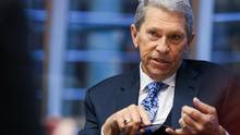 Hunter Harrison, then-chief executive officer of Canadian Pacific Railway Ltd., speaks during an interview in New York, U.S., on Friday, Nov. 20, 2015. (Chris Goodney/Bloomberg)