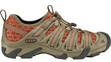 Keen's Cimarron II sandal takes you from rocky riverbeds to rolling hillsides.