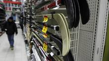 Canadian Tire sales may have been slowed by a lack of snow, but analysts expect good things from fourth-quarter earnings. (Fernando Morales/The Globe and Mail)