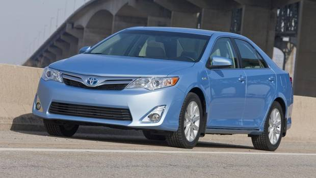 hybrid camry a better buy than the standard model the globe and mail. Black Bedroom Furniture Sets. Home Design Ideas