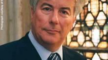 Ken Follett (Handout)