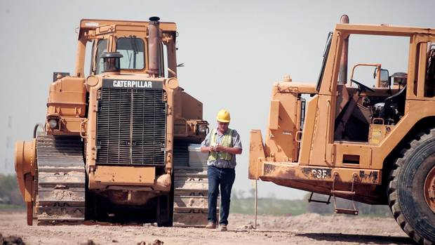 Hey Investors Caterpillar Is Trying To Talk To You The
