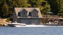 Cottage goers enjoy the Muskoka area of Ontario. (Kevin Van Paassen/Kevin Van Paassen/THE GLOBE AND)
