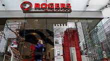 A Rogers Wireless retail store in Vancouver, B.C. (DARRYL DYCK/Darryl Dyck/The Canadian Press)
