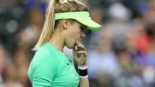 Eugenie Bouchard of Canada wipes her face between points while playing Annika Beck of Germany during the BNP Paribas Open at the Indian Wells Tennis Garden on March 9, 2017 in Indian Wells, California. (Matthew Stockman/Getty Images)