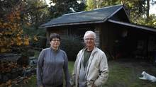 Lesley Bates and Jerry Newbery have moved into her father's house in Courtenay, B.C., while they downsize. (CHAD HIPOLITO/THE GLOBE AND MAIL)